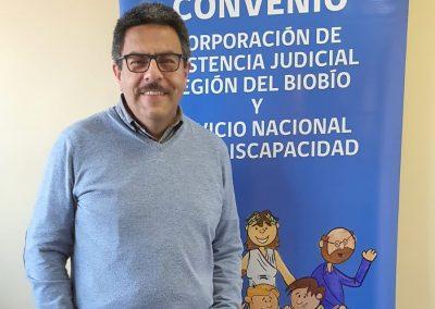 El abogado ejecutor del convenio CAJ Biobio-Senadis representó al joven que no pudo ejercer el voto asistido.
